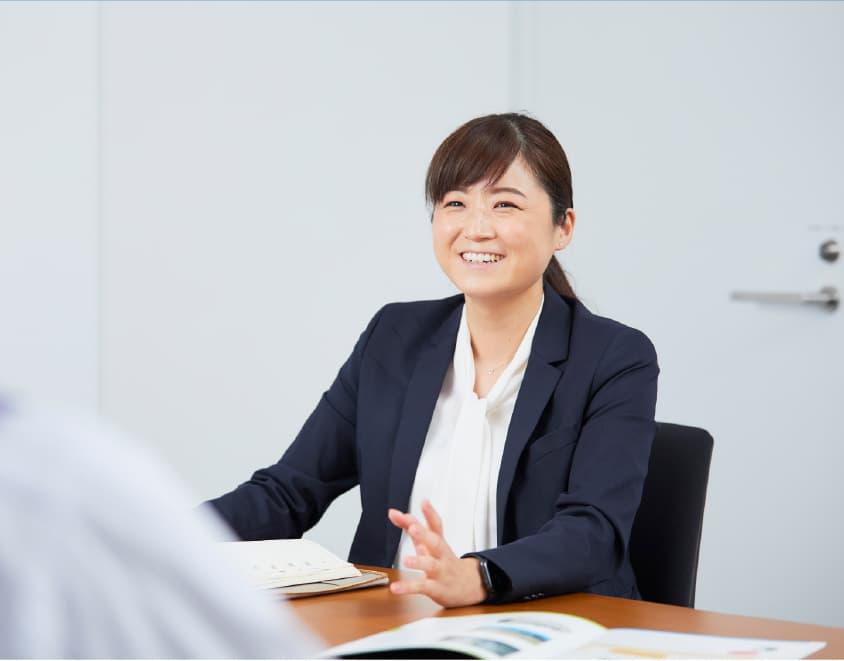 多岐にわたる業務の中、<br /> 連携を大切にしています。